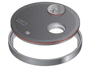 147 1 300x225 - Tapa redonda plana de 900 mm con junta y tapadera desplazada. mod. FL90 OF